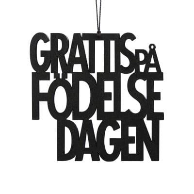 GPFS2-Grattis-på-födelsedagen-sort-svensk-fødselsdag-pynt-interiør-bolig-brugskunst-ophæng-Felius-Design